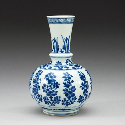 A CHINESE BLUE AND WHITE BOTTLE VASE, Kangxi (1662-1722)