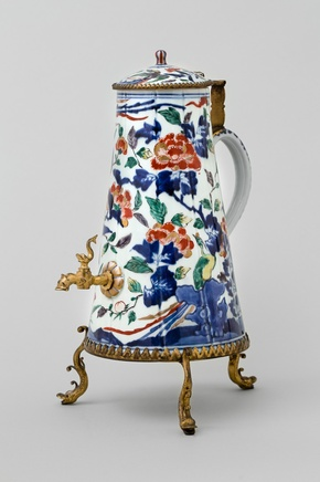A JAPANESE COFFEE POT WITH METAL MOUNTS , Second half of 17th century