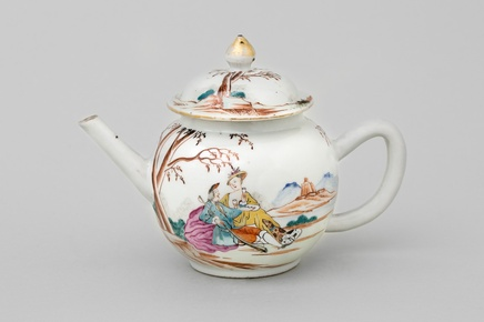 A CHINESE FAMILLE ROSE 'EUROPEAN-SUBJECT' TEAPOT AND COVER , Qianlong 1736-1795
