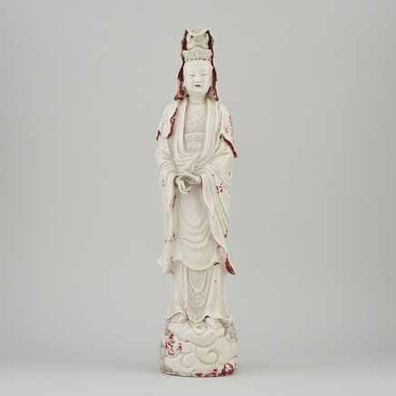 A LARGE AND IMPOSING CHINESE BLANC-DE-CHINE FIGURE OF GUANYIN, Kangxi (circa 1700)