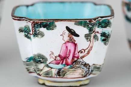 FOUR A CHINESE CANTON ENAMEL SQUARE CUPS, Qianlong (1736 – 1795)