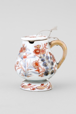 A SMALL JAPANESE IMARI MUSTARD POT, 18th century